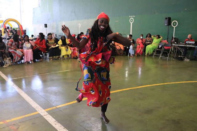 Baile durante la fiestas del Día de la Independencia de Senegal