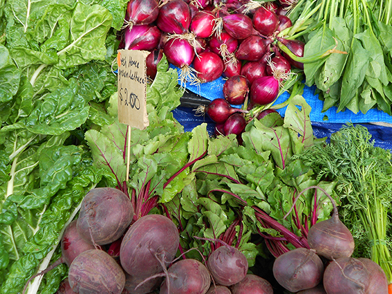 The benefits of eating seasonal and locally grown food