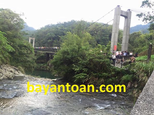 Thác nước Thập Phần (Shifen) - Đài Loan