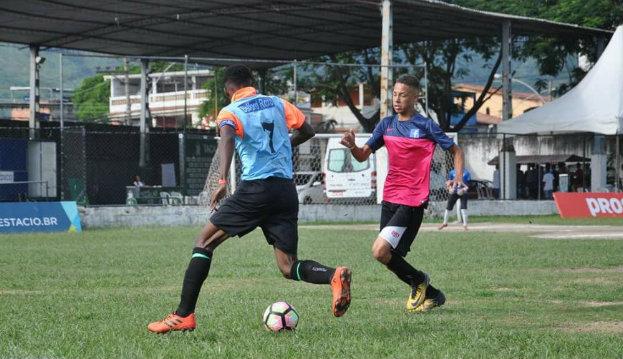 Belford Roxo vence mais   um jogo na Taça das Favelas