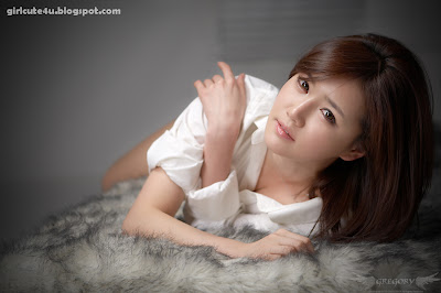 Han-Ga-Eun-Fur-Rug-07-very cute asian girl-girlcute4u.blogspot.com