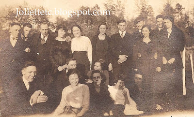 Jollett cousins in Harriston, VA 1919 http://jollettetc.blogspot.com