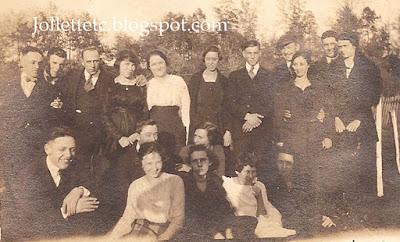 Jollett cousins in Harriston, VA 1919 http://jollettetc.blogspot.com