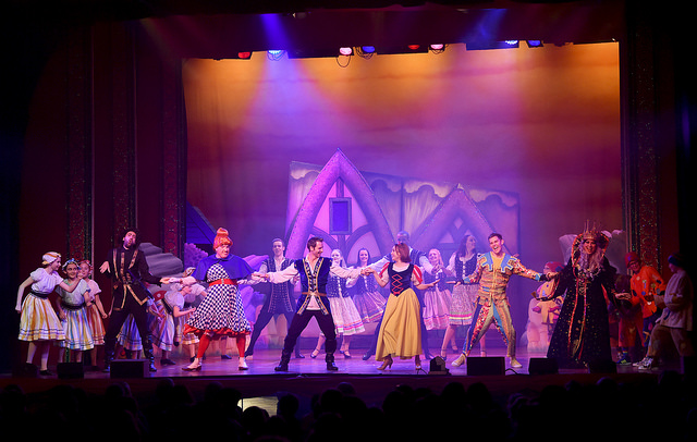 Snow White and the Seven Dwarfs, Worthing Theatres