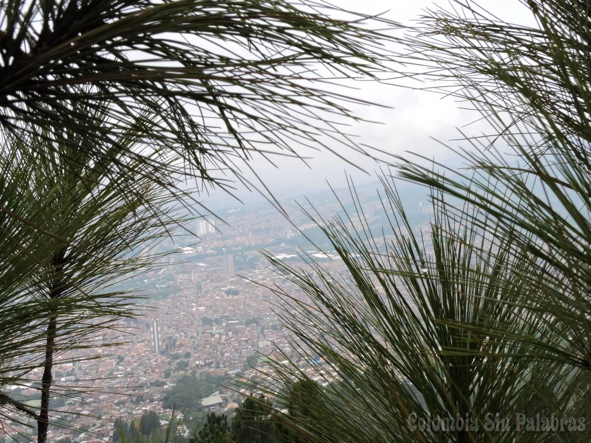 ciudad de Bello vista desde el cerro quitasol