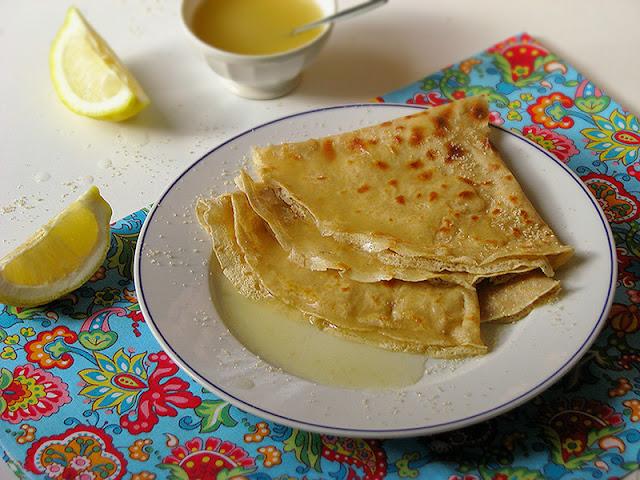 Recette de crêpes bio au lait d'avoine et nappage au citron.