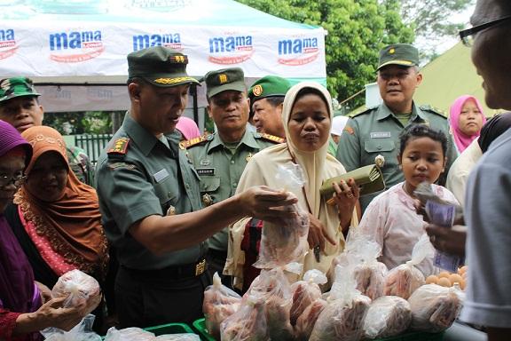 Bazar Murah Kodim 0508/Depok Diserbu Warga