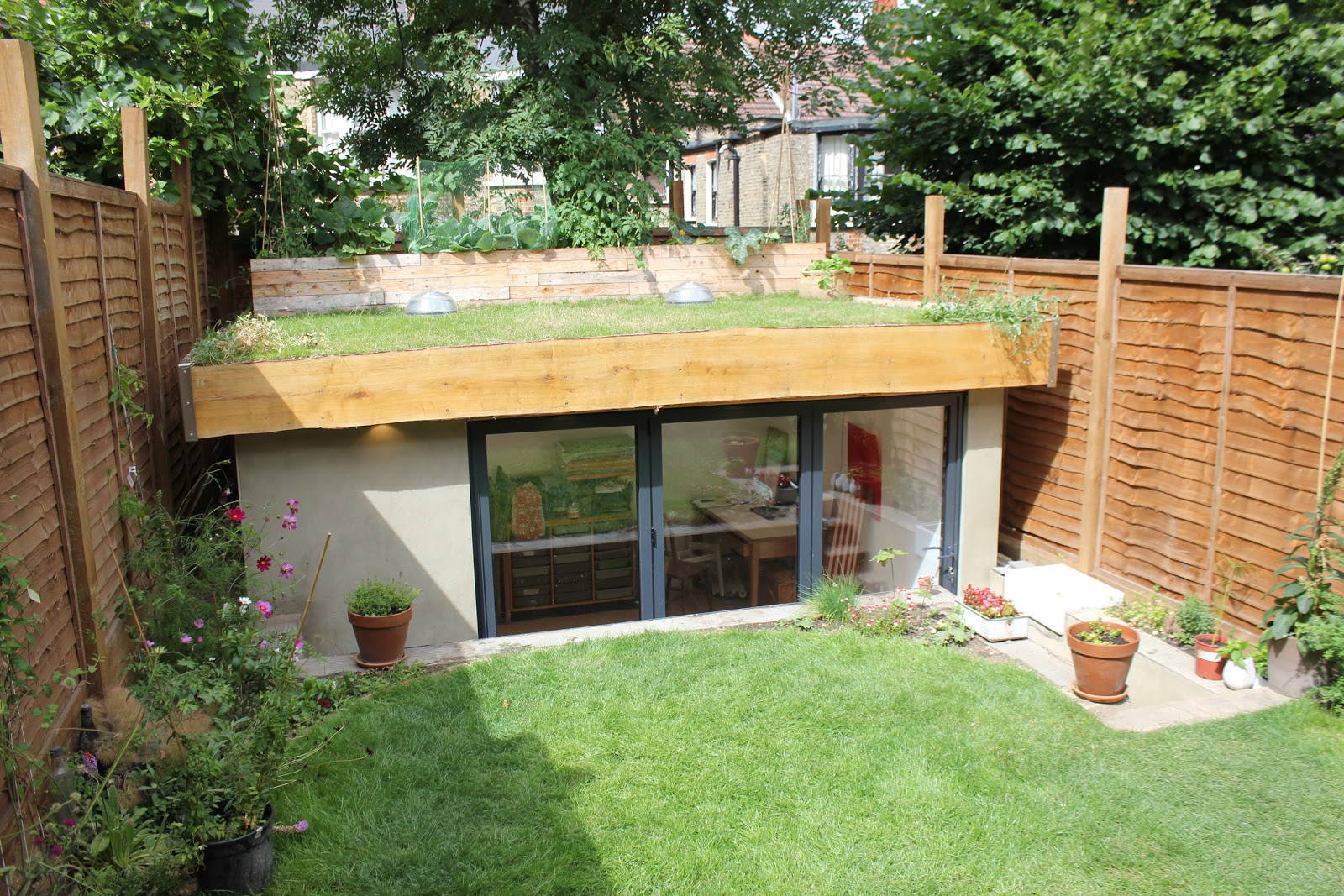 Shedworking underground garden office for Garden office ideas uk