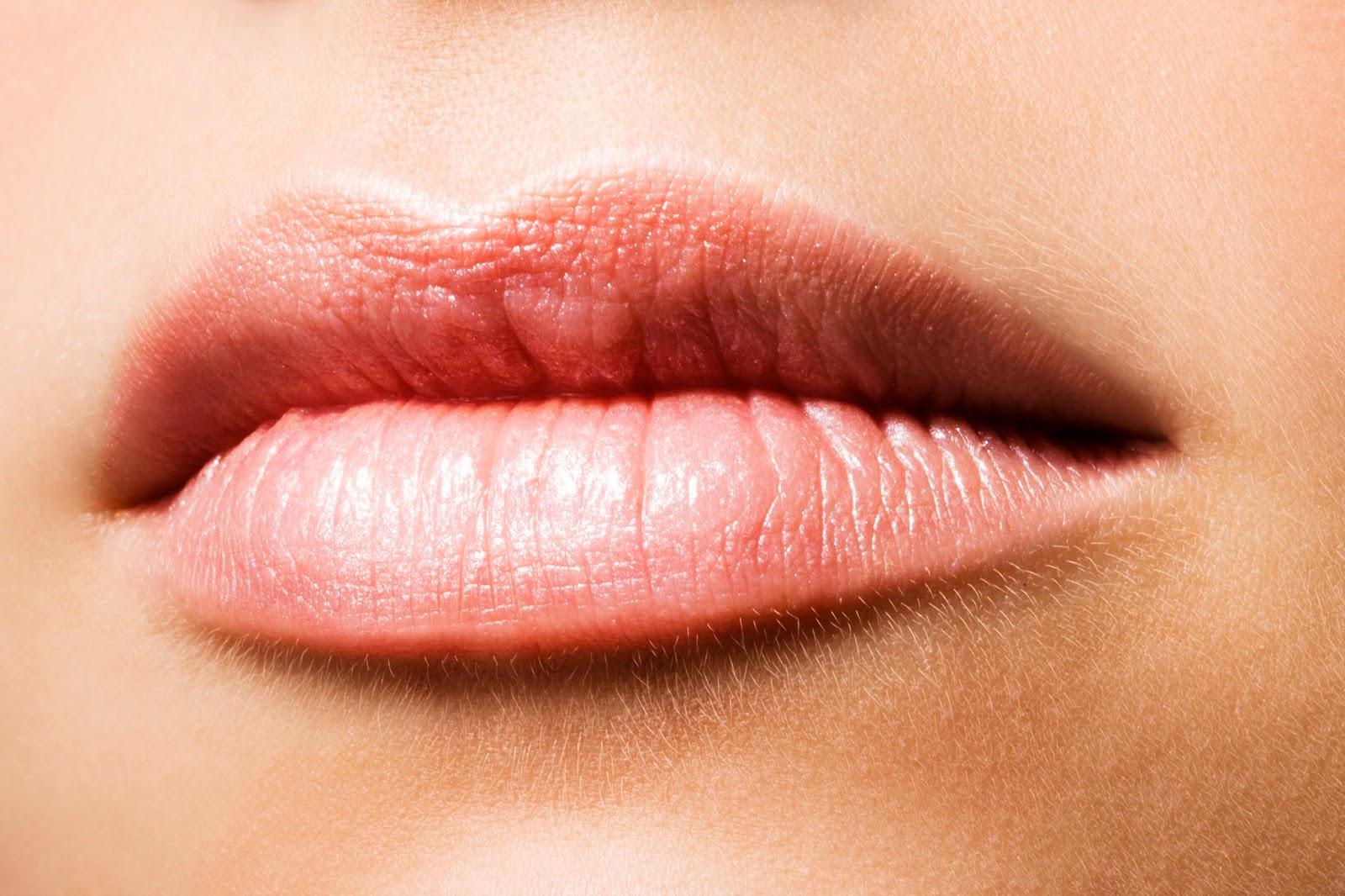 Cara Mengatasi Bibir Kering Secara Alami dan Mudah