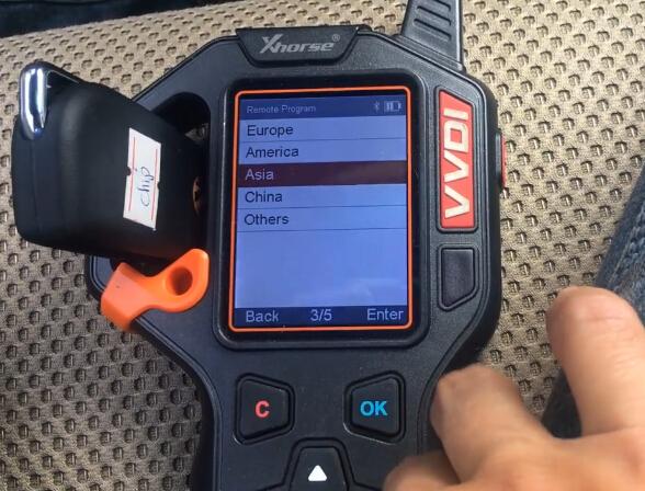 vvdi-key-tool-hilux-2014-remote-5