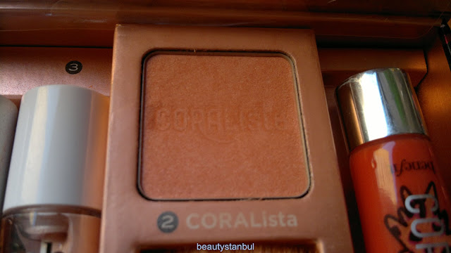 Benefit in Go Tropi Coral blush