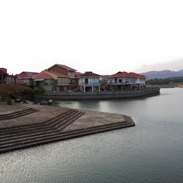 Las Casas Filipinas de Acuzar, Bataan