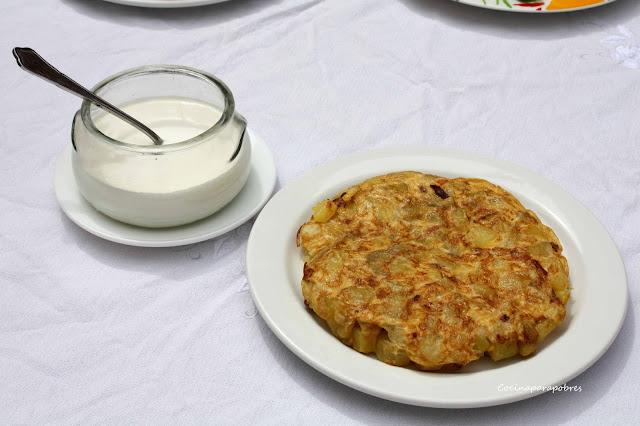 Tortilla de patatas baja en grasas, apta para dietas