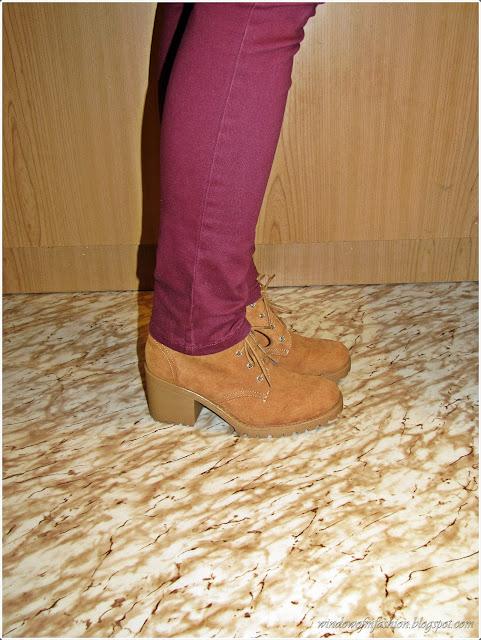 Sznurowane buty na obcasie