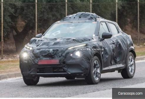 Mobil Nissan Juke Terciduk di jalanan dan diduga kuat adalah Nissan Juke Baru