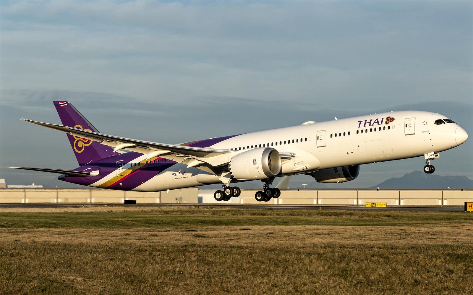 Boeing 787-9 of Thai Airways HS-TWB Takeoff