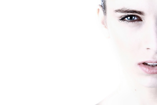 Profesjonalna pielęgnacja skóry na wiosnę w domowym zaciszu