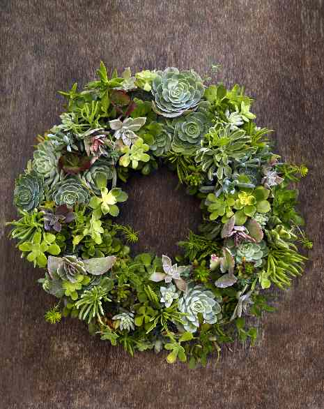 beauty of wreaths home decoration with flowers