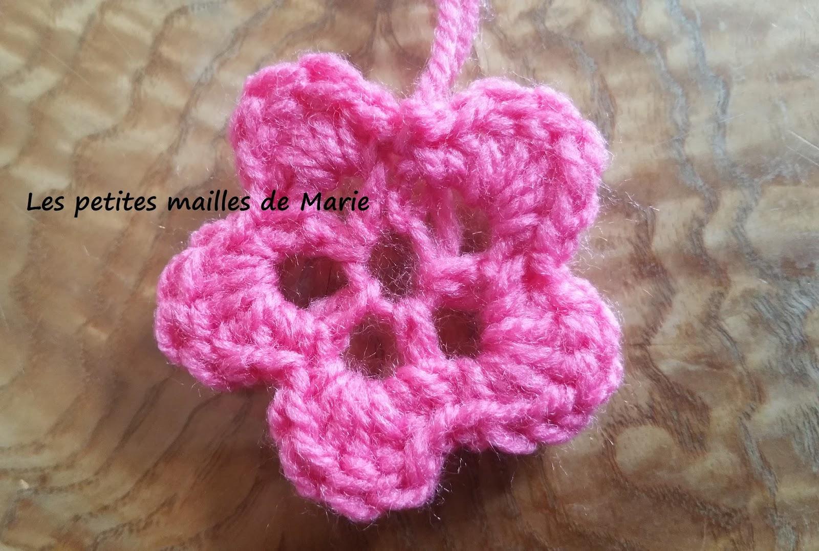 les petites mailles de marie petite fleur au crochet. Black Bedroom Furniture Sets. Home Design Ideas