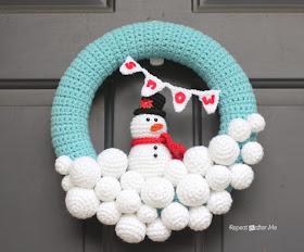 Free Crocheted Snowball Wreath