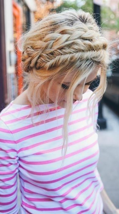 18 Cute And Comfortable Milkmaid Braid Designs