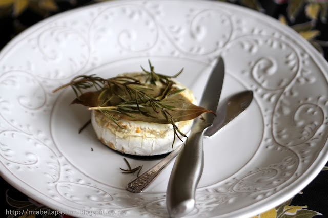 Herb Brie Cheese
