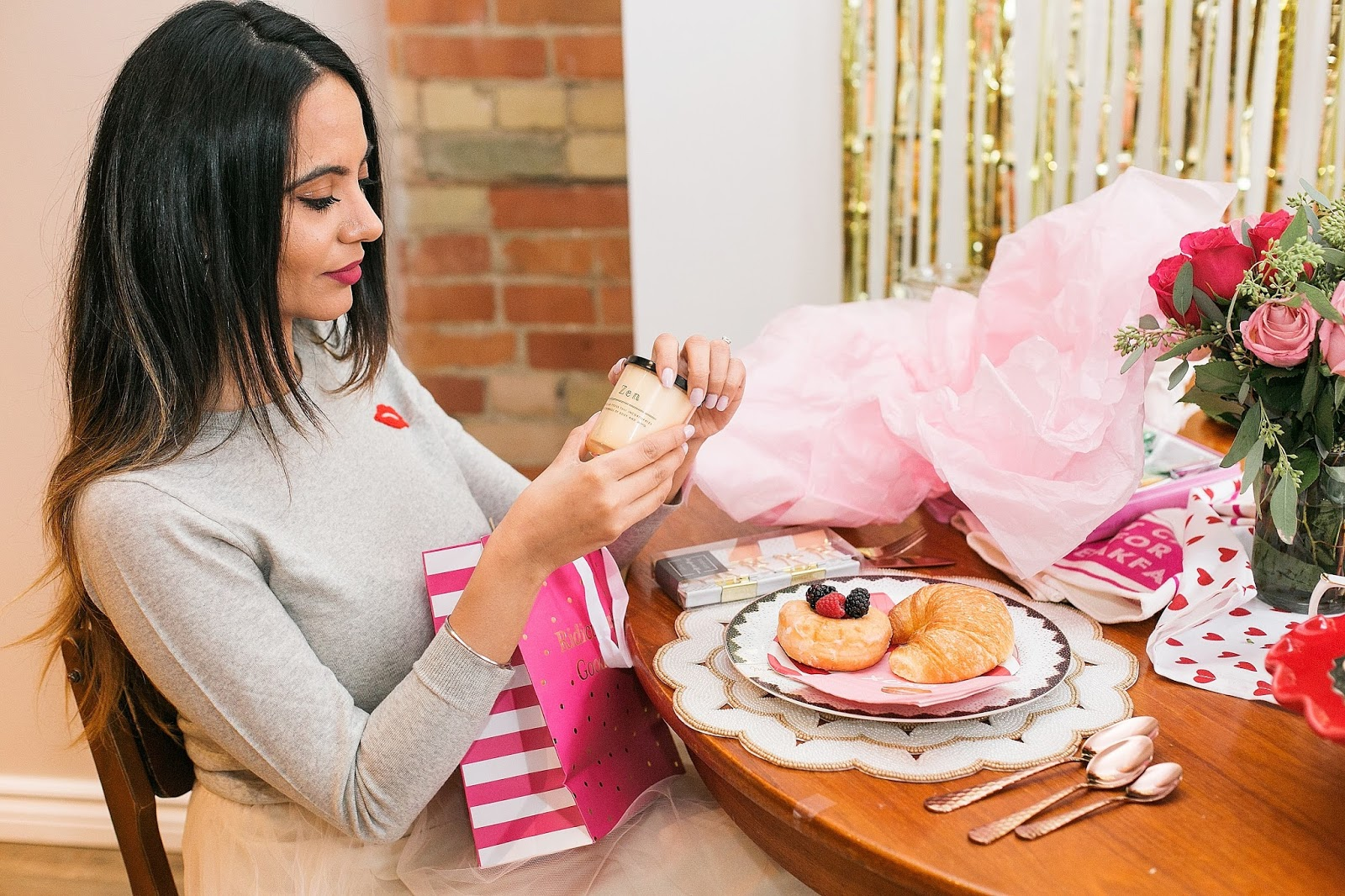 Bijuleni - How to Host The Perfect Galentine's Day Brunch, Homense