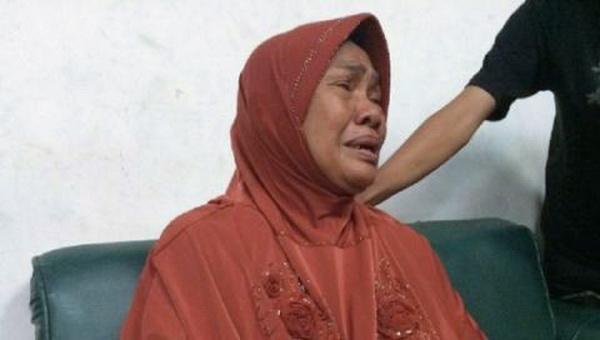 Emak Pembunuh Indria Kameswari Menangis, Ternyata Rumahnya Sudah Digadaikan Pelaku
