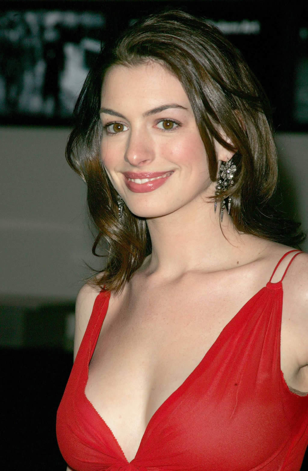 Anne Hathaway Sexy Photos