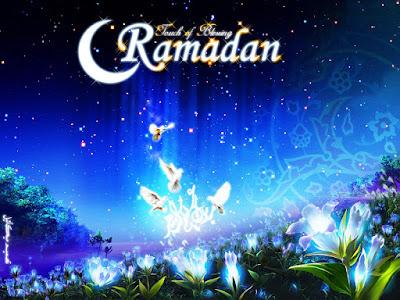 "Sejarah Bulan Ramadhan        memang tidak aneh kaitannya Ramadhan itu dengan pelaksanaan amal ibadah yang bernama puasa. Namun masih sedikit yang mengetahui arti dari Ramadhan dan perintah puasa itu dalam meyakinkan dari hikmah kedua kata yang saling terkait itu sendiri yang tidak dapat dipisahkan. Terkecuali bagi mereka (kaum muslimin) yang menimba ilmu dari berbagai sumber para ulama salaf (terdahulu) yang penuh keikhlasan dan semangat jihadnya tak terputus karena demi materi semata. Sebaiknya alangkah sangat agung dalam keyakinan masyarakat awam (umum) untuk mengetahui hal itu. Kenapa kedua kata itu saling mengait dan tidak dapat dipisahkan? Karena perintah itu merupakan amaliyah individu bersifat perintah yang wajib dilaksanakan yang belum tentu orang lain dapat mengetahuinya, maka penegasannya pun datang langsung dari Sang Maha Pencipta agar seseorang itu benar-benar mangamalkannya. Jika tidak, Allah jualah Yang Maha Mengetahui terhadap amaliyah seseorang, Allah SWT berfirman:  ""(Beberapa hari yang ditentukan itu ialah) bulan Ramadhan, bulan yang di dalamnya diturunkan (permulaan) Al-Qur'an sebagai petunjuk bagi manusia dan penjelasan-penjelasan mengenai petunjuk itu dan pembeda (antara yang hak dan yang bathil). Karena itu, barangsiapa di antara kamu hadir (di negeri tempat tinggalnya) di bulan itu, maka hendaklah ia berpuasa pada bulan"