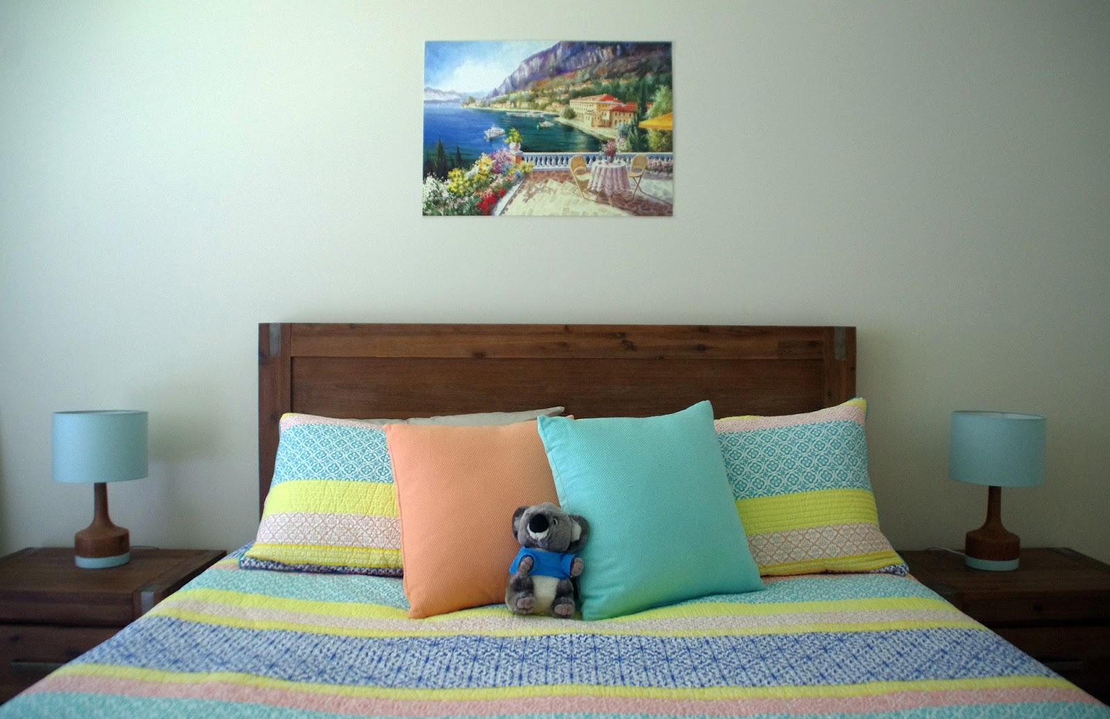 Coastal luxe bedroom decor