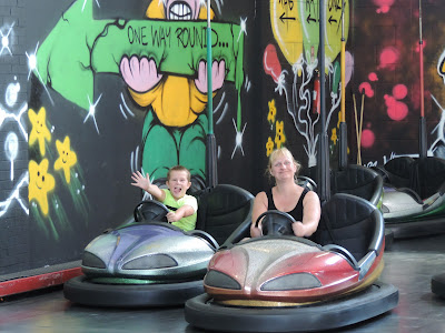 electrically powered bumper cars