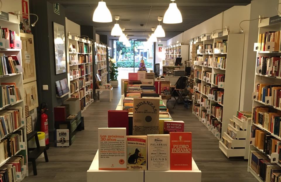 Re read la libreria low cost de valencia valencia happy - Libreria segunda mano valencia ...