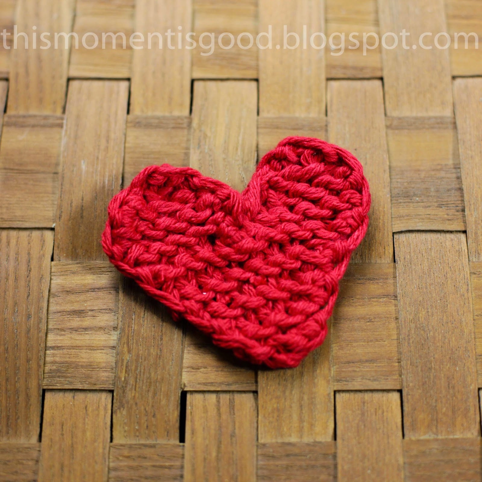 LOOM KNIT HEART - FREE PATTERN | Loom Knitting by This Moment is Good!