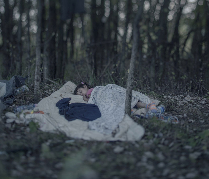 Photographer Reveals The Heartbreaking Places Syrian Refugee Children Sleep - Lamar, 5 years old, Horgos, Serbia