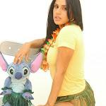 Andrea Rincon, Selena Spice Galeria 13: Hawaiana Camiseta Amarilla Foto 20