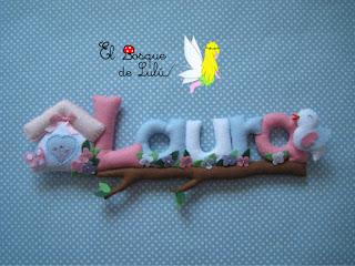 nombre-fieltro-Laura-elbosquedelulu-felt-feltro-name-banner-regalo-nacimiento-decoración-infantil-baby-room-casita-pájaritos
