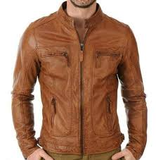 12 MODEL JAKET PRIA JAMAN SEKARANG YANG WAJIB LO KETAHUI! Model Jaket Pria  Jaman Sekarang Salah satu outerwear buat pria yang paling terkenal adalah  jaket. e7f53700b8