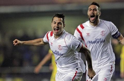 Màn ăn mừng của Vitolo sau cú ghi bàn lập kỷ lục.