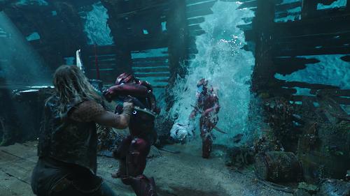 Aquaman.2018.2160p.WEB-DL.LATiNO.ENG.BRA.DDP5.1.HEVC-MED-02946.png