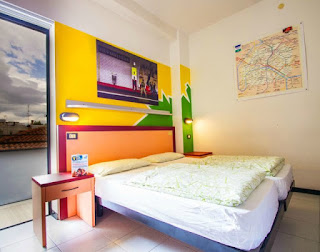 young-people-hotels-rimini-poracci-in-viaggio