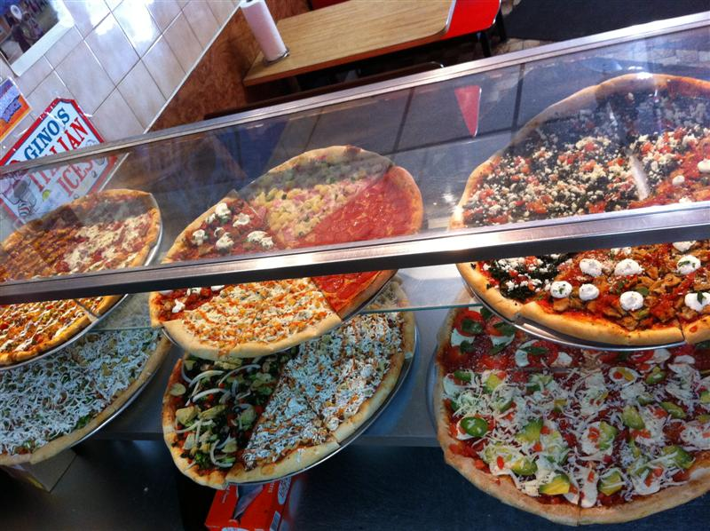 What Micky Eats   : Vinnie's Pizzeria