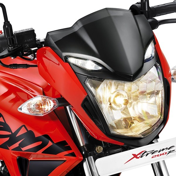 New 2018 Hero Xtreme 200R Headlight