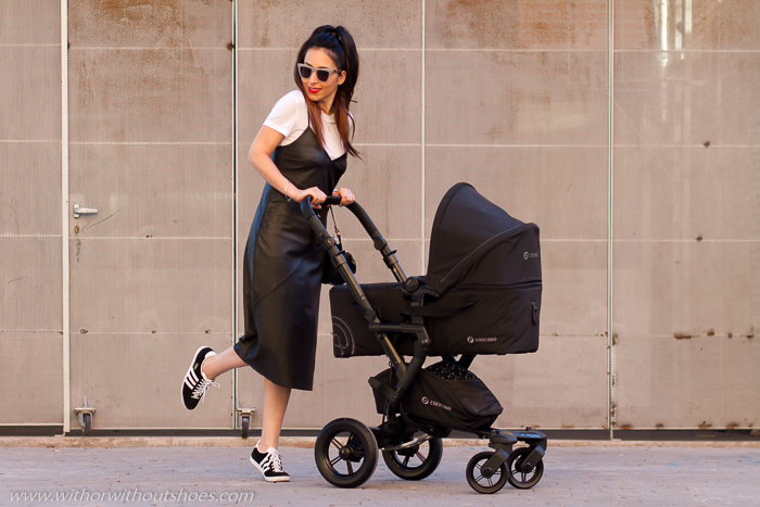 Blogger influencer de moda mamá con ideas para vestir en embarazo post parto