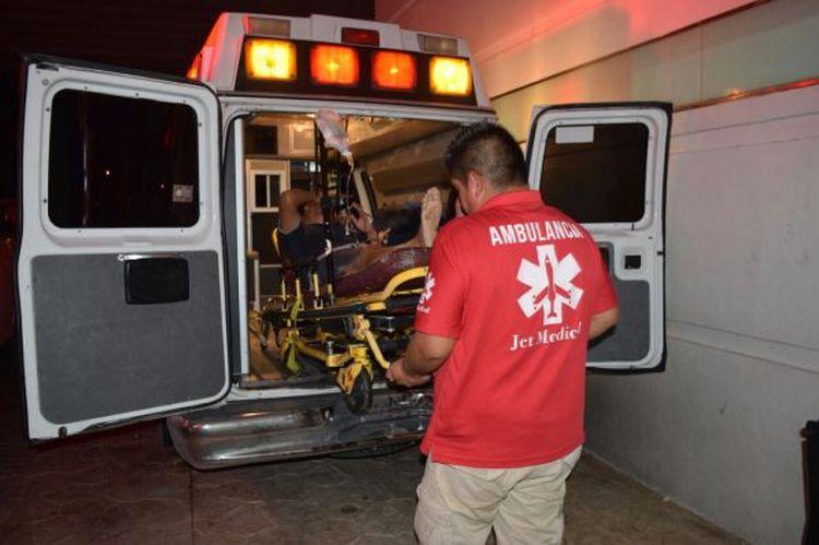 Comando de sicarios acribillan a cuatro personas en Cancún