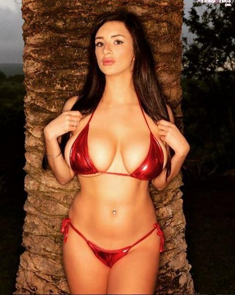 Foto Hot Model Cara Ruby 5