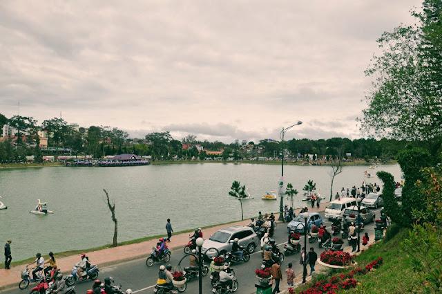 Barcos en el Lago de Da Lat