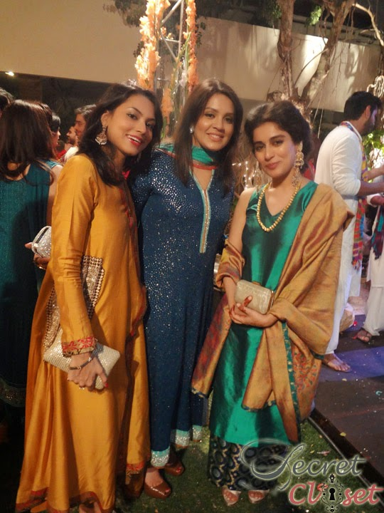Pakistani Celebrity Alishba With Her Friends And Family