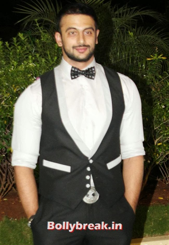 Arunoday Singh, Bollywood Babes at Vishesh Bhatt Wedding Reception