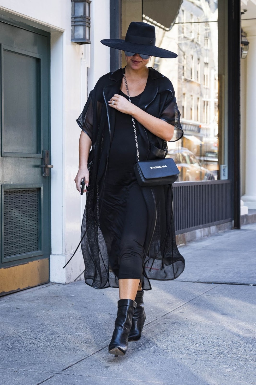 Pregnant Chrissy Teigen Enjoys in New York City
